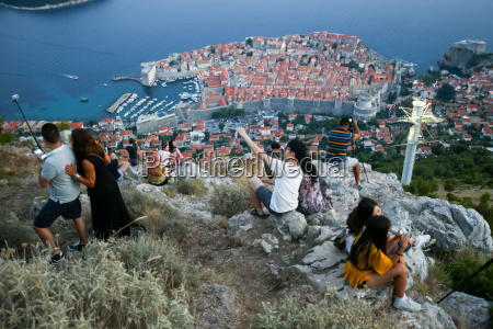 tourists photographing dubrovnik